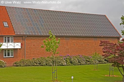 Haus mit Photovoltaikanlage / House with  Photovoltaik plant